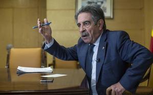 «El PRC es el tapón para que el PP llegue al poder en Cantabria, por eso tratan de erosionarnos»