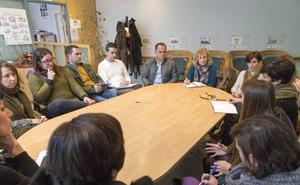 El Gobierno apuesta por crear una red de oficinas de atención a la mujer en los municipios de Cantabria