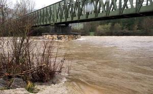 La lluvia y el deshielo ponen en vigilancia los ríos Pas, Asón y Gándara