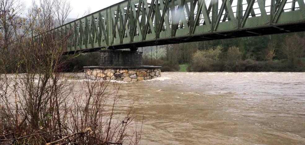 La lluvia y el deshielo ponen en vigilancia los ríos Asón y Gándara