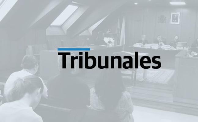 La contable acusada de quedarse con medio millón acusa a su jefe de denunciarla por despecho