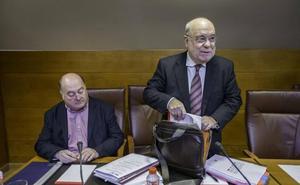 Sota presume del nivel de ejecución presupuestaria y el PP le acusa de ocultar un informe sobre el objetivo de déficit