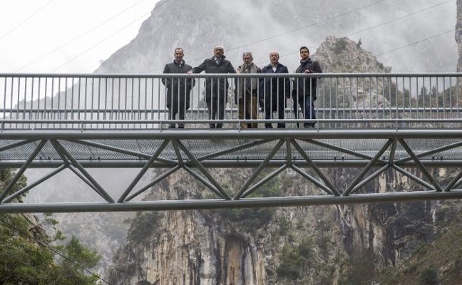 Un puente hacia las nubes