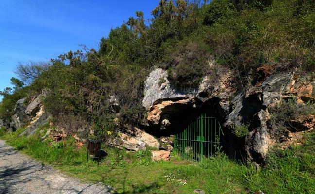 Neandertales pintaron en La Pasiega antes de la llegada del homo sapiens