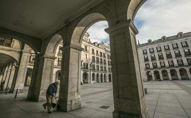 La Cámara de Comercio negocia un préstamo bancario para salvar de la venta su sede de La Porticada