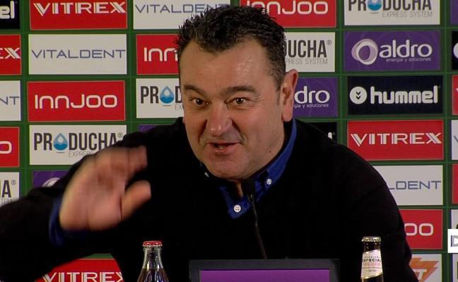 Carlos Pouso confirma la baja de Dani Aquino frente al Athletic B