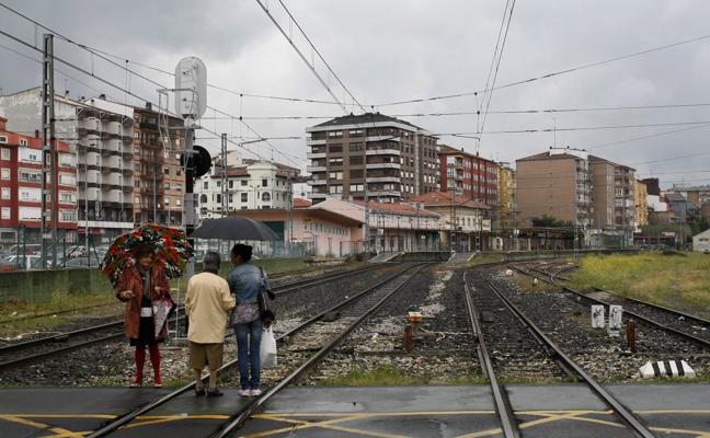 El soterramiento de las vías en Torrelavega ve la luz al final del túnel