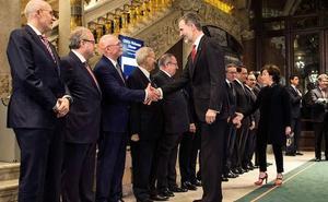 Felipe VI llama a la cooperación Estado-Cataluña para conservar el «éxito continuado» del Mobile