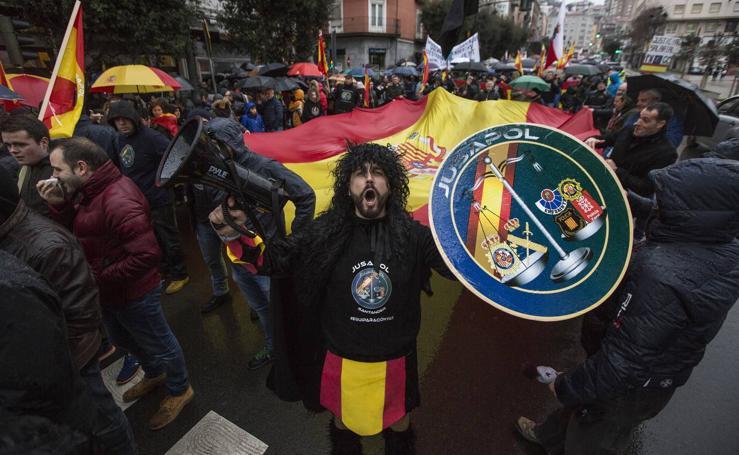 Manifestación organizada por Jusapol para la equiparación salarial de todas las policías de España