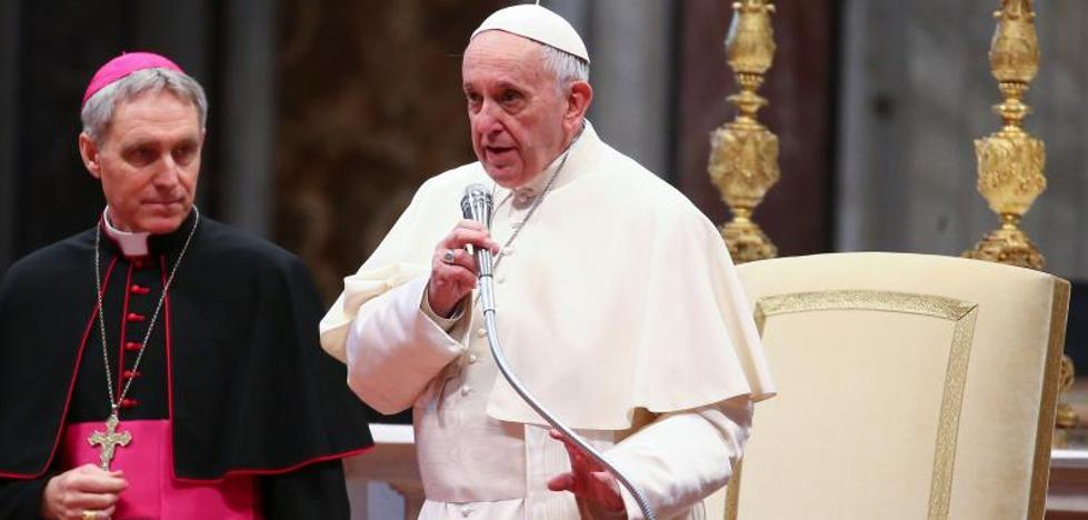 El Papa y los cardenales estudian «acelerar» los procesos judiciales sobre casos de abusos a menores para «protegerlos»