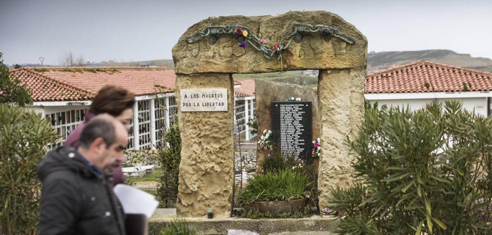 Este es listado de las 150 fosas de la Guerra Civil en Cantabria