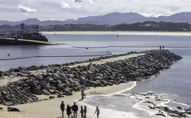 Gema Igual sobre los espigones de La Magdalena: «Si no actuamos nos quedamos sin playa»
