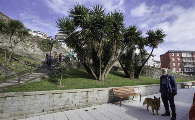 El parque Recaredo, en Cisneros, tendrá un acceso peatonal con mirador en dos semanas