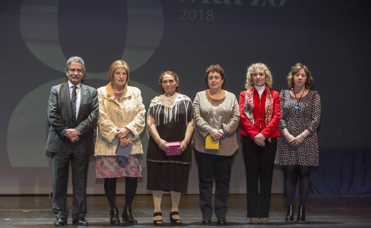Cantabria rinde homenaje a sus mujeres