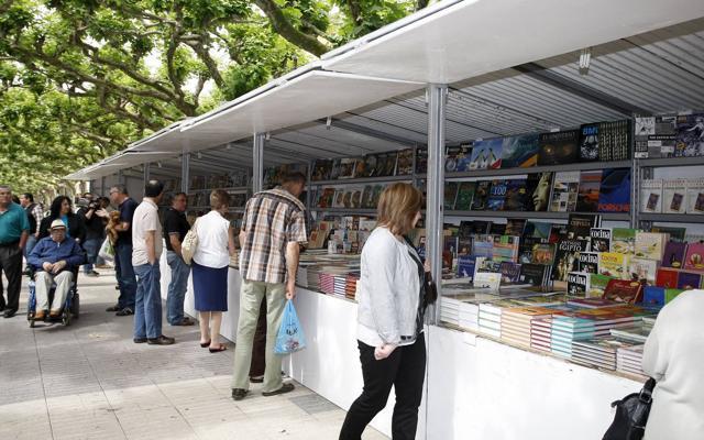 Torrelavega recupera la Feria del Libro tras casi una decáda sin celebrarla