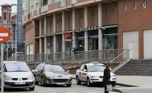 Gobierno y Ayuntamiento de Torrelavega harán un estudio de alternativas para la estación intermodal
