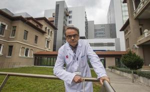 «Los médicos de la UCI debemos cuidar a las familias y ser sensibles a su dolor»