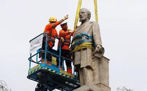 Un Parlamento dividido rechaza la retirada de la estatua del Marqués de Comillas de Barcelona