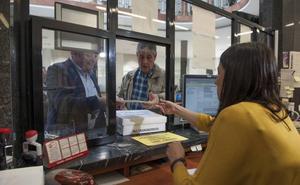 Peñacastillo lleva más de 5.000 firmas al Ayuntamiento contra el MetroTUS