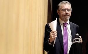 Granados insiste en que «jamás» ha visto «un solo euro de dinero negro» en el PP