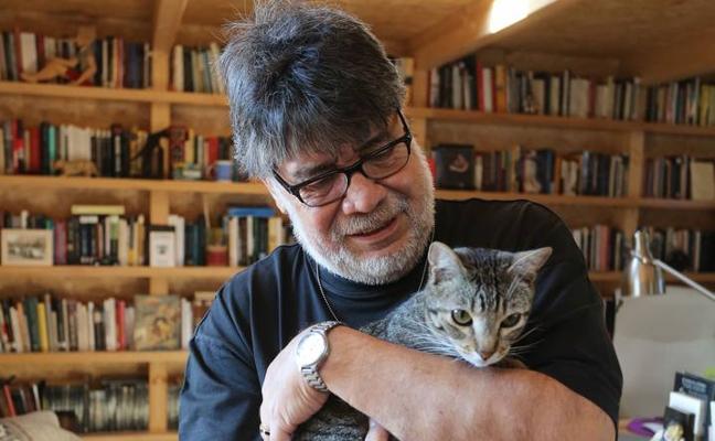Luis Sepúlveda presenta en Santander su novela 'El fin de la historia'