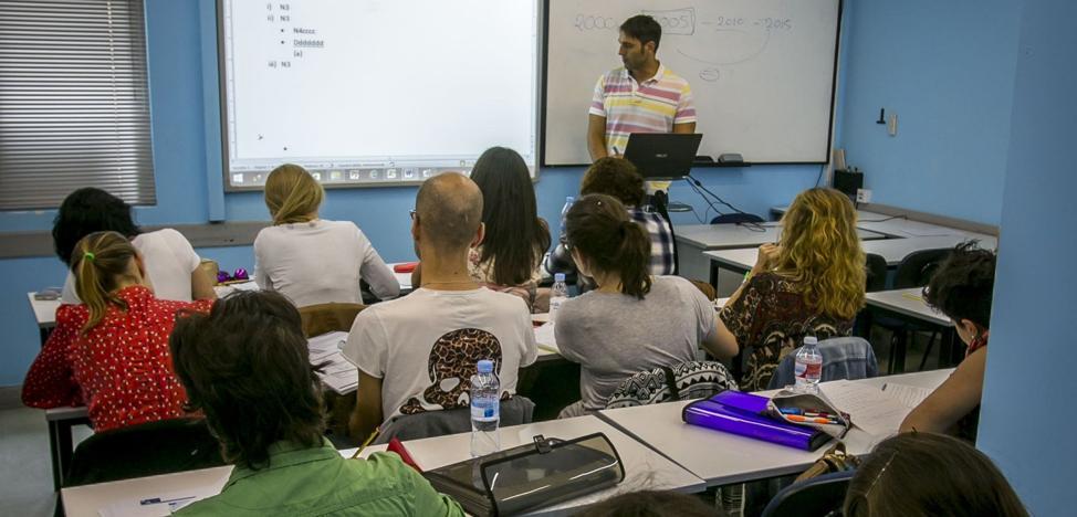 Las oposiciones docentes inician su cuenta atrás