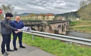 Cartes licita la ampliación del puente sobre el Besaya y el asfaltado de la N-611