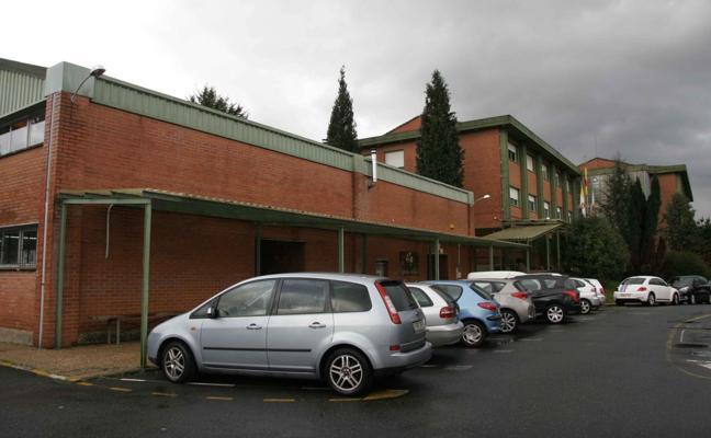 Ampuero solicita aparcamientos para el instituto