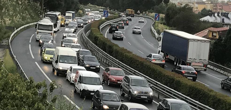 Dos colectivos especializados en movilidad rechazan el proyecto del tercer carril en la autovía entre Santander y Torrelavega
