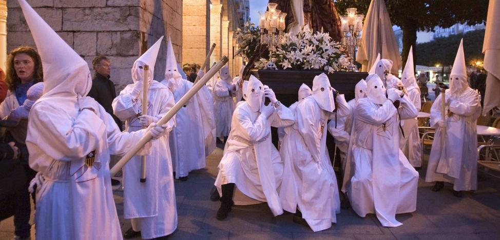 Dos presos aspiran al indulto en la Semana Santa de Santander