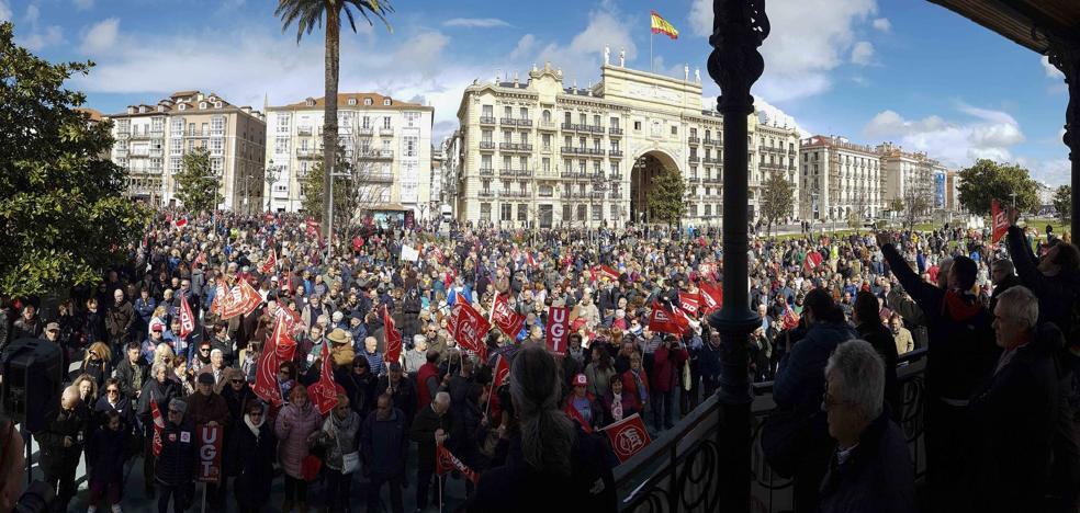 Multitudinaria manifestación en Santander «por unas pensiones públicas dignas»