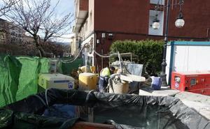 Vecinos de Pequeñeces denunciarán al Ayuntamiento por daños en su edificio
