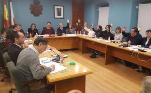 IU reta al alcalde de El Astillero a que presente una moción de confianza