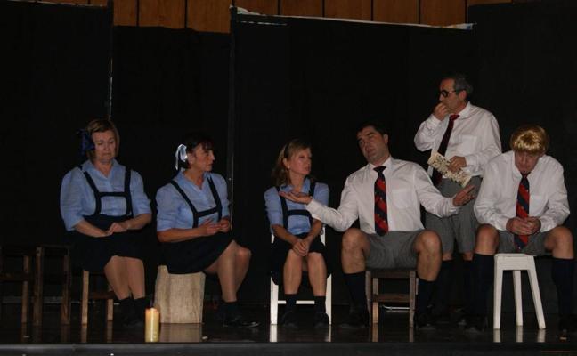 El primer Circuito de Teatro Amateur llevará 30 espectáculos a diez municipios de Cantabria