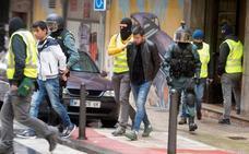 Tres detenidos en Santander en un fuerte despliegue de la Guardia Civil contra el tráfico de personas