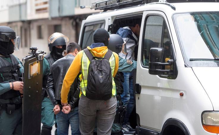 Dispositivo de la Guardia Civil en Santander contra el tráfico de seres humanos