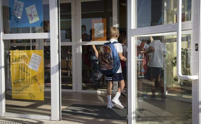 La Junta de Personal Docente acusa a la Consejería de «romper el consenso» sobre el número de aulas y las plantillas