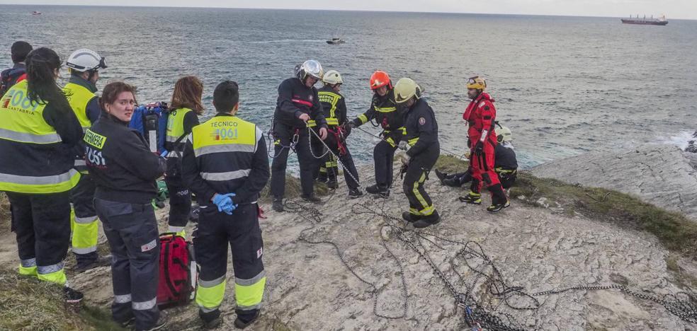 Un joven de 24 años aparece muerto en el acantilado de Cabo Menor