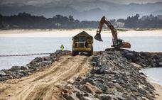 Díaz Tezanos exige al Ministerio que paralice la obra de los diques de la Magdalena