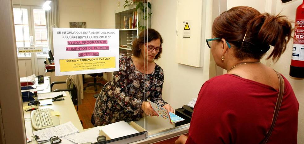 Los servicios sociales de Torrelavega critican la gestión de ayudas del Fondo de Suministros Básicos