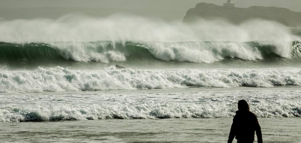 'Hugo' llega mañana a Cantabria y pondrá la costa en alerta roja el sábado