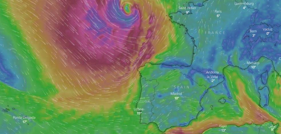 Olas gigantes y viento huracanado: la ciclogénesis explosiva 'Hugo' pone en alerta roja la costa cántabra