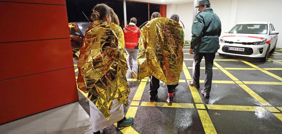 Rescatan a once menores y tres monitores al quedar atrapados por el temporal en la Reserva del Saja