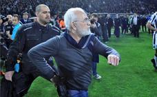 La liga griega se reanudará el sábado, tras semanas suspendida por la violencia