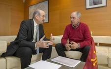 Obras licitará en tres semanas la reforma de la carretera que une las comarcas del Pas y del Besaya