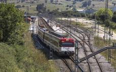 Fomento dota partidas para duplicar la vía Santander-Torrelavega y para Cercanías