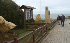 Suances acondiciona los accesos a la playa de Los Locos de cara al verano