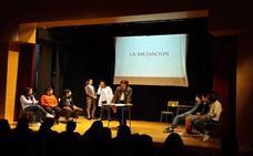 Los alumnos del José Hierro representaron la obra 'La Conferencia'