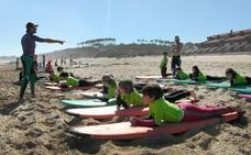 El surf generó 4,2 millones de euros en Ribamontán al Mar durante 2017