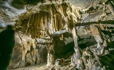 Las cuevas cántabras Auria y Hornos de la Peña, en el programa de TVE 'Arqueomanía'